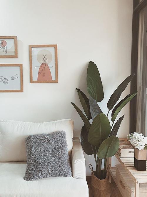 Chị tự decor để khiến nơi ở ấm cúng, đẹp đẽ theo ý muốn, giúp có thêm nhiều cảm hứng sống, tinh thần sáng tạo, phục hồi năng lượng hiệu quả.