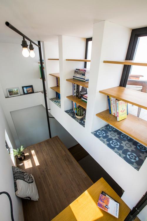 Gia chủ tận dụng từng góc nhà nhỏ để decor, giúp làm đẹp không gian sống.