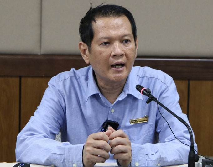 Bác sĩ Trương Quang Định, trưởng kíp mổ chia sẻ về hành trình tái tạo cuộc đời cho Trúc Nhi, Diệu Nhi. Ảnh: Thư Anh.