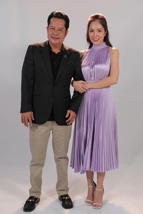 Sau sitcom Ngũ hợi tấn hỷ, Dương Cẩm Lynh một lần nữa làm con gái màn ảnh của nghệ sĩ Thanh Nam.