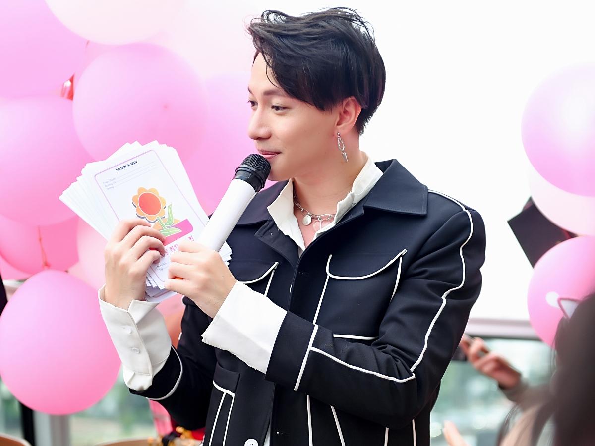 iết các fan đang trong thời gian thi chuyển cấp, S.T Sơn Thạch quyết định tặng một món quà đặc biệt: Phiếu bé ngoan.