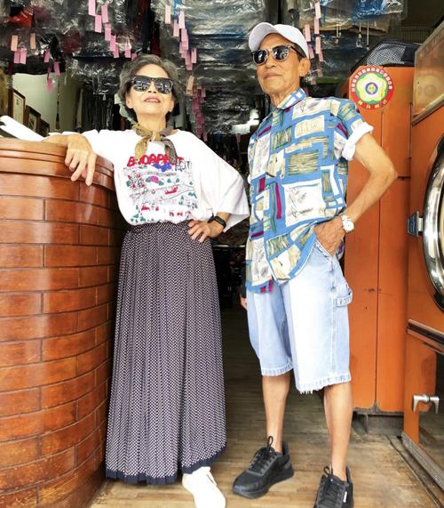 Cặp vợ chồng U90 mặc mix đồ xì tin - 2