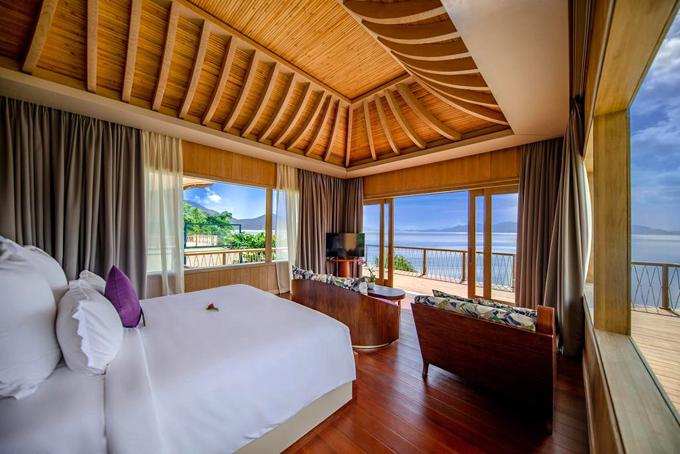 Vợ chồng Minh Nhựa check in resort