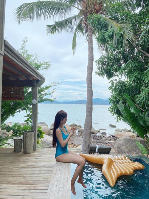 Vợ chồng Minh Nhựa check in resort  - 8
