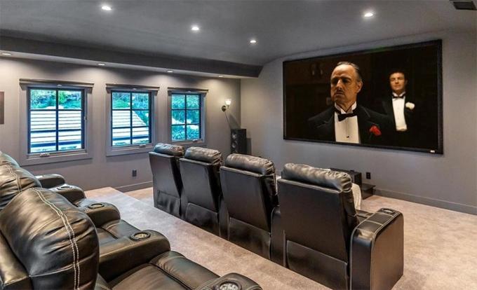 Rạp chiếu phim trong nhà.