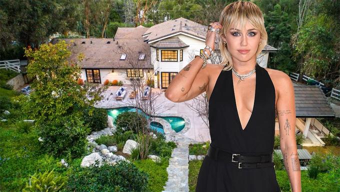 Nhà mới của Miley Cyrus nằm ở khu Hidden Hills, phía bắc Los Angeles - nơi nhiều nghệ sĩ Hollywood lựa chọn sống ở đây vì sự an ninh và không gian thoáng đãng. Biệt thự có giá 4,95 triệu USD (gần 115 tỷ đồng).