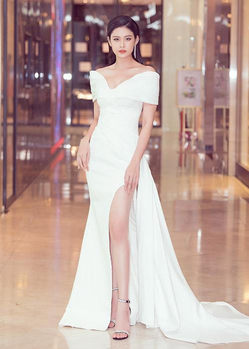Trương Quỳnh Anh quyến rũ trong bộ váy trắng dài quét đất.