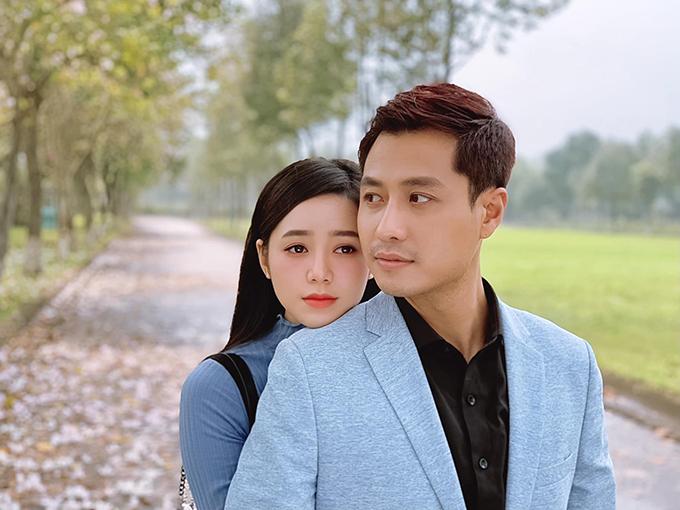 Quỳnh Kool đóng cặp với Thanh Sơn trong Đừng bắt em phải quên.