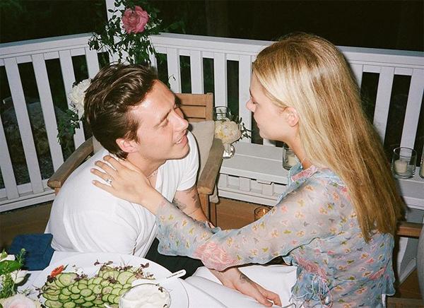 Brooklyn và vợ sắp cưới hé lộ ảnh độc - 8