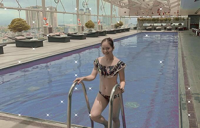 Lan Phương khoe dáng với đồ bơi và khẳng định ảnh không hề qua chỉnh sửa.