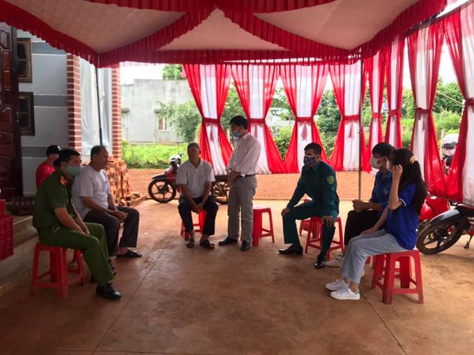 UBND thị trấn Phước An vận động người dân hoãn, giản lược tiệc cưới trong ngày 30/7.
