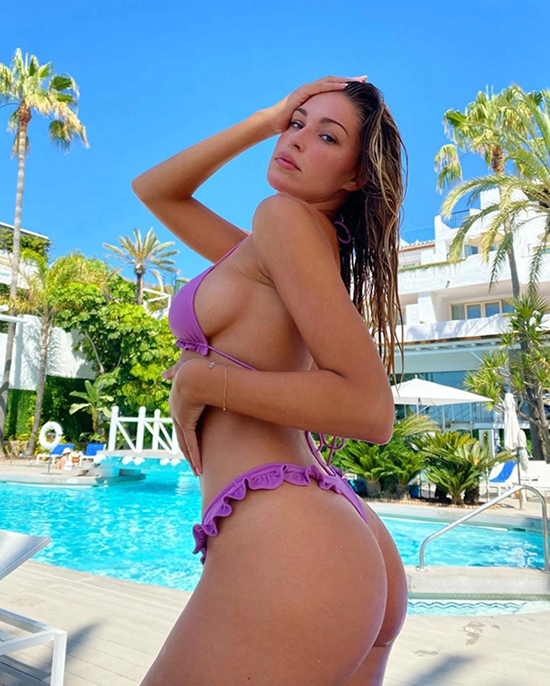 Người đẹp Love Island Zara McDermott
