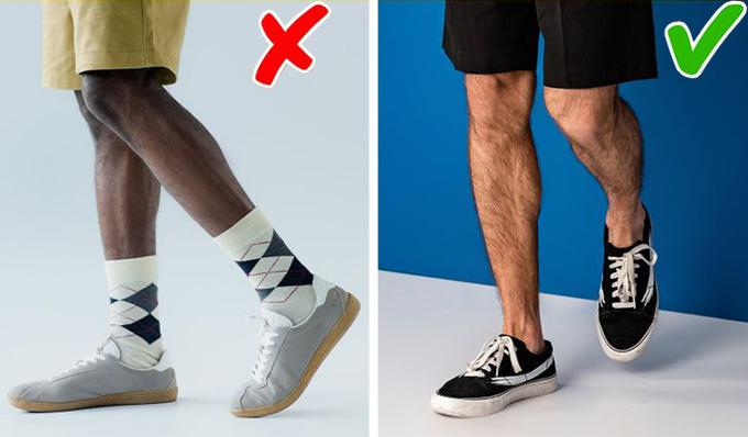 Đi giày lộ tất (vớ) khi mặc quần shorts