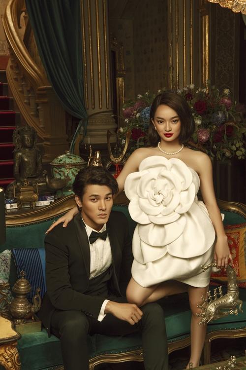 Đóng cặp với Kaity là người mẫu Khương Lê - gương mặt hoàn toàn mới của điện ảnh. Hồi tháng 6, cặp đôi từng học cưỡi ngựa để ghi hình một cảnh trong đại nội Huế.