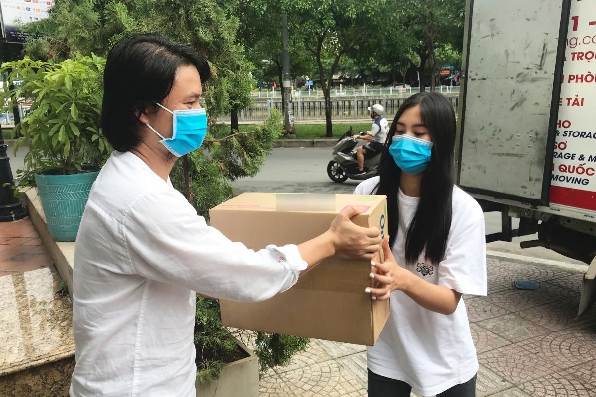 Hoa hậu Tiểu Vy cũng có mặt đồng hành cùng