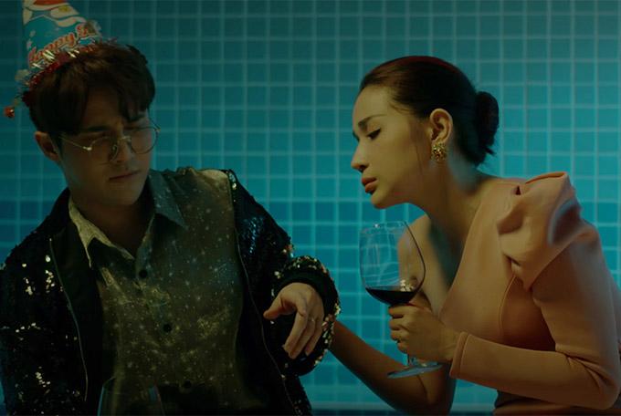 Trong một buổi tiệc sinh nhật, vị bác sĩ và cấp dưới uống rượu say dẫn đến mất kiểm soát hành vi.