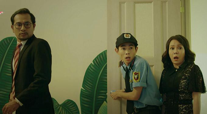 Diễn viên Hồng Thanh (giữa) góp mặt với nhân vật bảo vệ bệnh viện - người được chứng kiến nhiều cảnh tượng hài hước, bất ngờ.