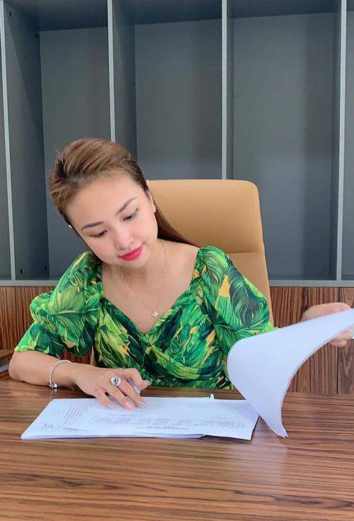 Đã vào Sài Gòn sinh sống nhưng Vân Hugo vẫn quản lý và điều hành hệ thống kinh doanh của mình ở Hà Nội. Cô rất tin tưởng vào đội nhóm mà mình đã đào tạo được.