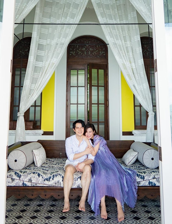 Vợ chồng Đông Nhi du lịch