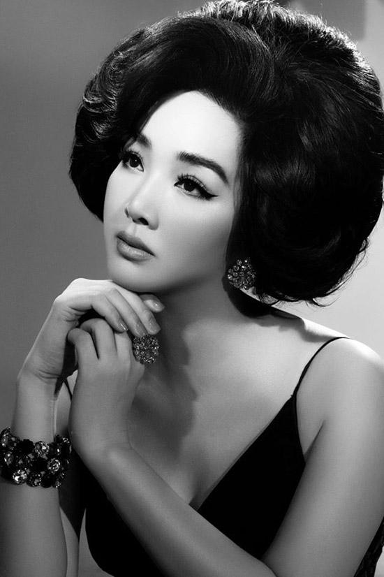 Người đẹp thừa hưởng nét đẹp từ người mẹ từng là Hoa khôi Nhạc viện Hà Nội.