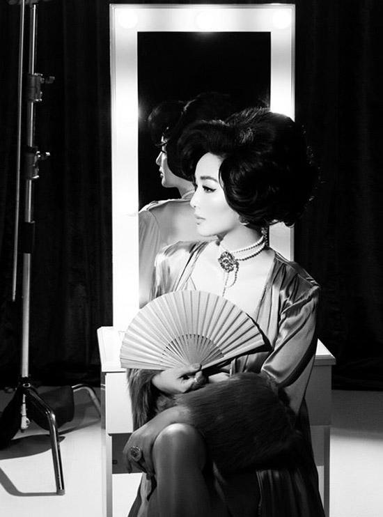 Ngắm nhan sắc Giáng My trong ảnh đen trắng, nhiều bạn bè, khán giả nhận xét trông cô giống hai minh tinh nổi tiếng của thế kỷ trước là Thẩm Thúy Hằng và Audrey Hepburn.