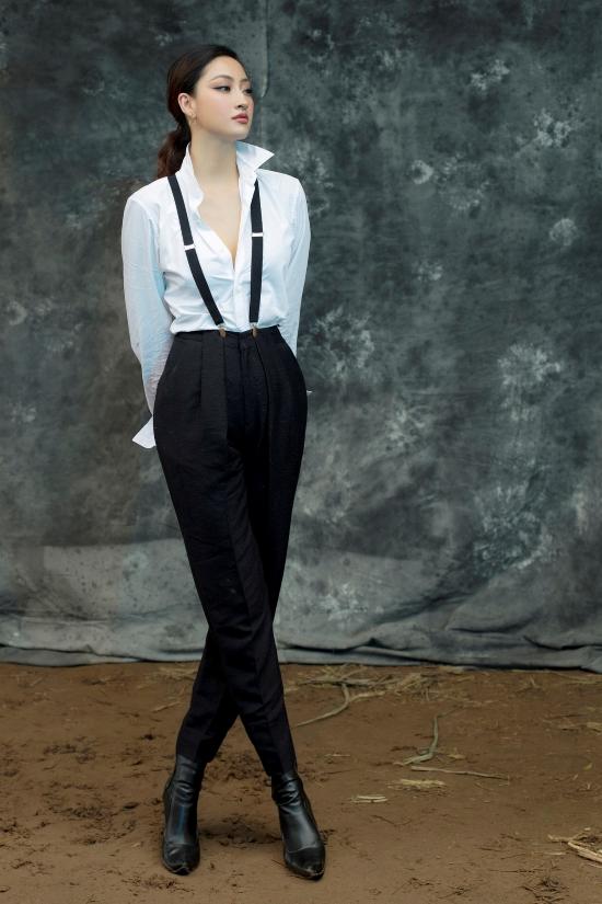 Người đẹp lựa chọn phong cách menswear, tôn chiều cao 1,78 m.