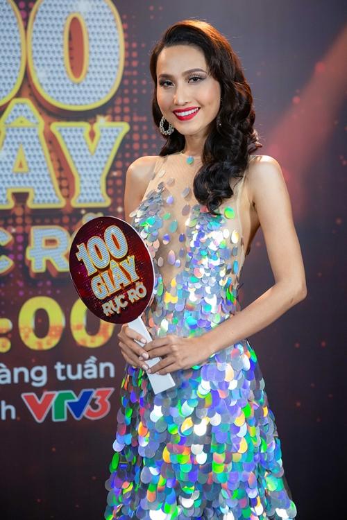 Trở về từ cuộc thi Miss International Queen 2020, Hoài Sa đăng ký thi 100 giây rực rỡ với năng khiếu ca hát. Cô mong muốn thông qua chương trình này có thêm một bước tiến mới trên hành trình theo đuổi sự nghiệp ca hát. Cô là một trong các thí sinh của tập 3 sẽ lên sóng lúc 20h thứ bảy - 22/8.