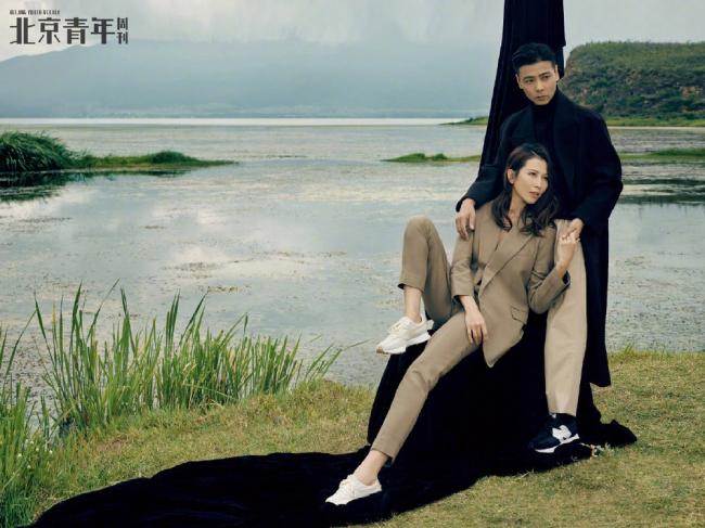 Thái Thiếu Phân và Trương Tấn đã kết hôn 12 năm. Thời điểm hai người lấy nhau, Thái Thiếu Phân là minh tinh, trải qua nhiều cuộc tình ồn ào, còn Trương Tấn là một cascadeur ít tên tuổi. Bất chấp ồn ào, dị nghị, 12 năm qua, cặp sao lúc nào cũng thủy chung, gắn bó để cùng nuôi dạy con cái.