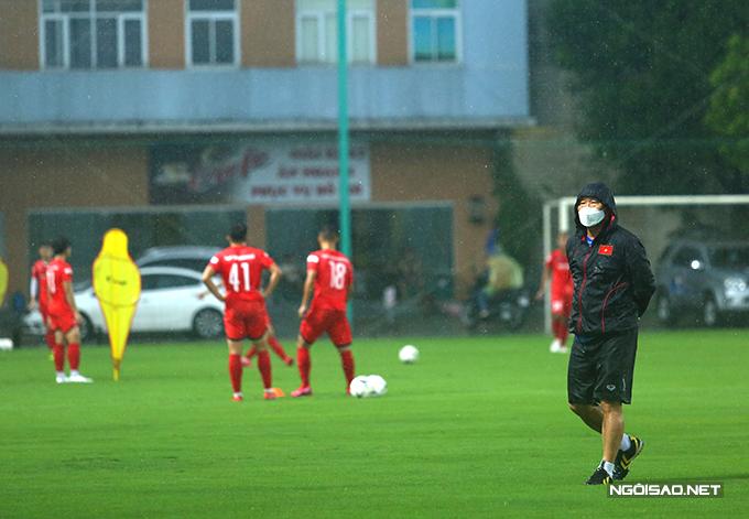 HLV Park Hang-seo đang cùng U22 Việt Nam chuẩn bị cho SEA Games 2021. Ảnh: Đương Phạm.