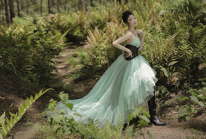 Bảo Hà diện váy công chúa dạo chơi ở Đà Lạt - 2