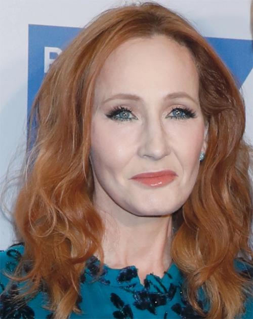 Nhà văn JK Rowling - tác giả bộ truyện Harry Potter bỏ túi 60 triệu USD, chủ yếu nhờ bản quyền chuyển thể các cuốn sách thành phim.