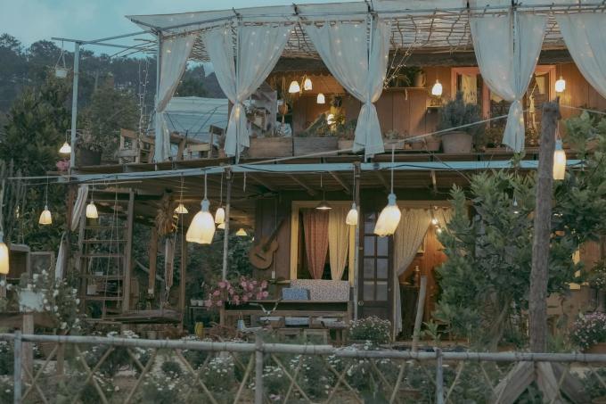Tiệm trà bánh mộng mơ ở Đà Lạt