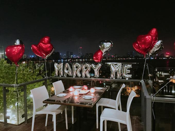 Quán bar trên cao - điểm hẹn hò của sao Việt - 12