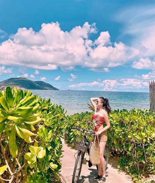 Bảo Thy từng tổ chức sinh nhật cùng ông xã ở Côn Đảo hồi tháng 6.