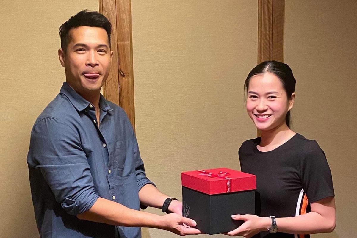 Trương Thế Vinh hào hứng chuẩn bị quà tặng Lâm Vỹ Dạ.