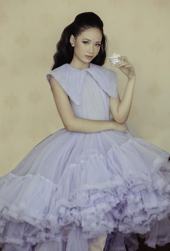[Caption]Trang phục: NTK Nguyễn Minh Công  Photo: Ali Bùi  Stylist: Tu  Make up: Lâm Nguyễn