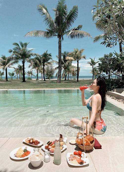 Bảo Thy check in hồ bơi tròn như quay compa hiếm có ở Việt Nam - 2