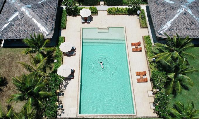 Bảo Thy check in hồ bơi tròn như quay compa hiếm có ở Việt Nam - 4