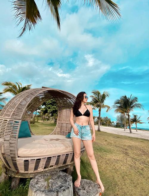 Bảo Thy check in hồ bơi tròn như quay compa hiếm có ở Việt Nam - 16