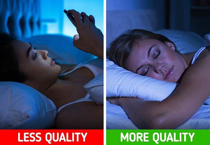 Ánh sáng xanh trên điện thoại gây rối loạn giấc ngủ