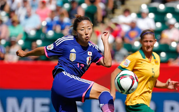 Yuki Nagasato trở thành nữ cầu thủ Nhật đầu tiên thi đấu ở giải nam. Ảnh: OC.