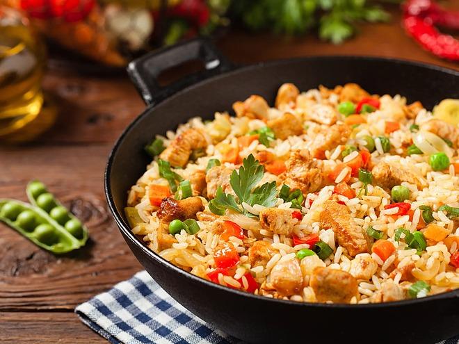 Không nên ăn quá nhiều tinh bột vào bữa trưa.