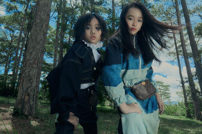 Khánh An và Phương Anh tạo dáng bắt mắt trong hai set đồ hợp mốt và tôn nét năng động, khoẻ khoắn.