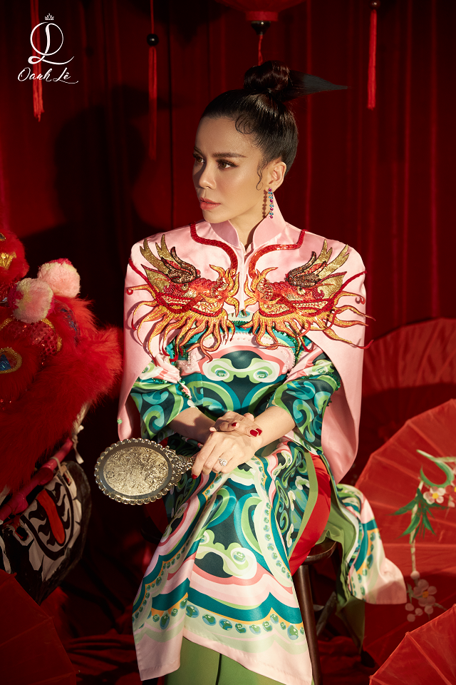 Trong bộ ảnh mới, Hoa hậu Oanh Lê và ê-kíp đầu tư tâm sức để làm nên những shoot nghệ thuật, phản ánh rõ giá trị văn hóa.