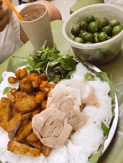 4 quán khét tiếng phố cổ Tiên Nguyễn ghé khi vừa hạ cánh - 2