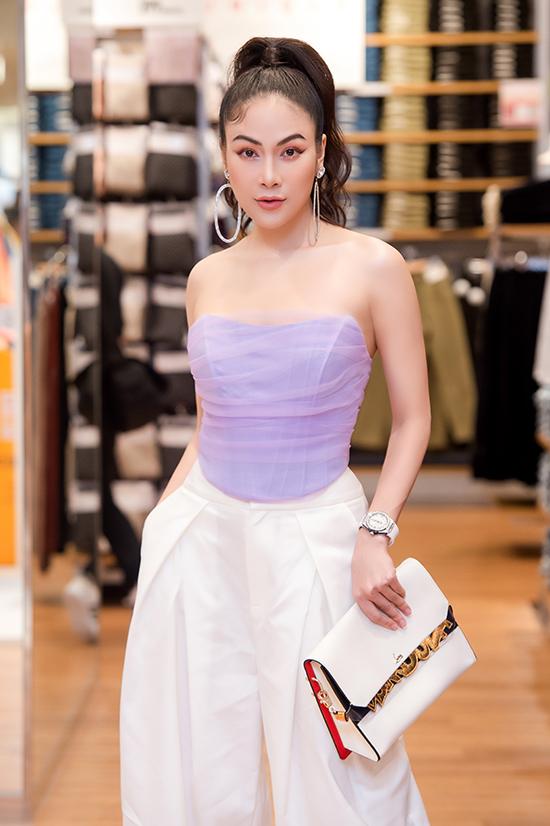 Sở hữu nhan sắc cuốn hút, Tuyết Nga từng đăng quang Hoa hậu Áo dài 2019.