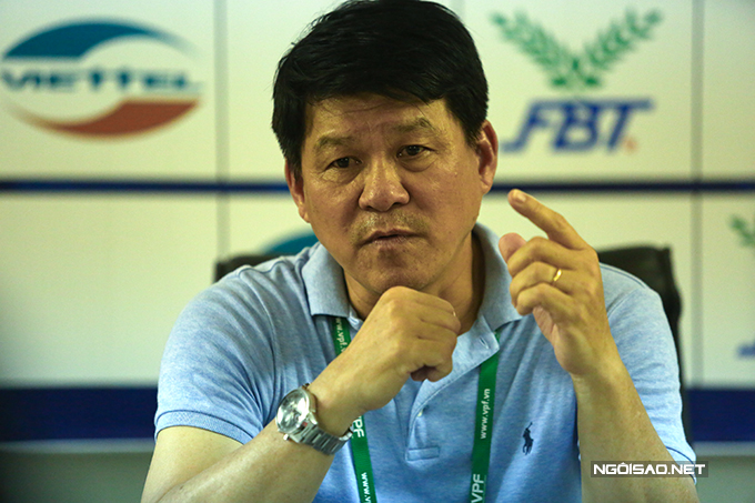 Trong cuộc họp báo sau trận, Chủ tịch kiêm HLV Vũ Tiến Thành của CLB Sài Gòn chia sẻ Thất bại này chặn đứng chuỗi trận bất bại của Sài Gòn, điều này khiến tôi buồn nhưng không thất vọng. Viettel là một đội bóng mạnh và đang vào phom bởi họ đã trải qua ba trận đấu ở Cup Quốc gia. Công bằng mà nói nhịp độ thi đấu của Sài Gòn không bằng đối thủ.  Nguyên nhân thua trận đến từ việc chúng tôi nghỉ dịch gần hai tháng, nhịp độ thi đấu của các cầu thủ không tốt. Chúng tôi có sắp xếp một số trận đấu giao hữu nhưng tính chất của các trận đấu này khác nhau. Áp lực khán giả, áp lực điểm số cũng khiến các cầu thủ mệt mỏi. Ngoài ra, chúng tôi không may mắn khi tiền đạo Pedro bị chấn thương không thể thi đấu.