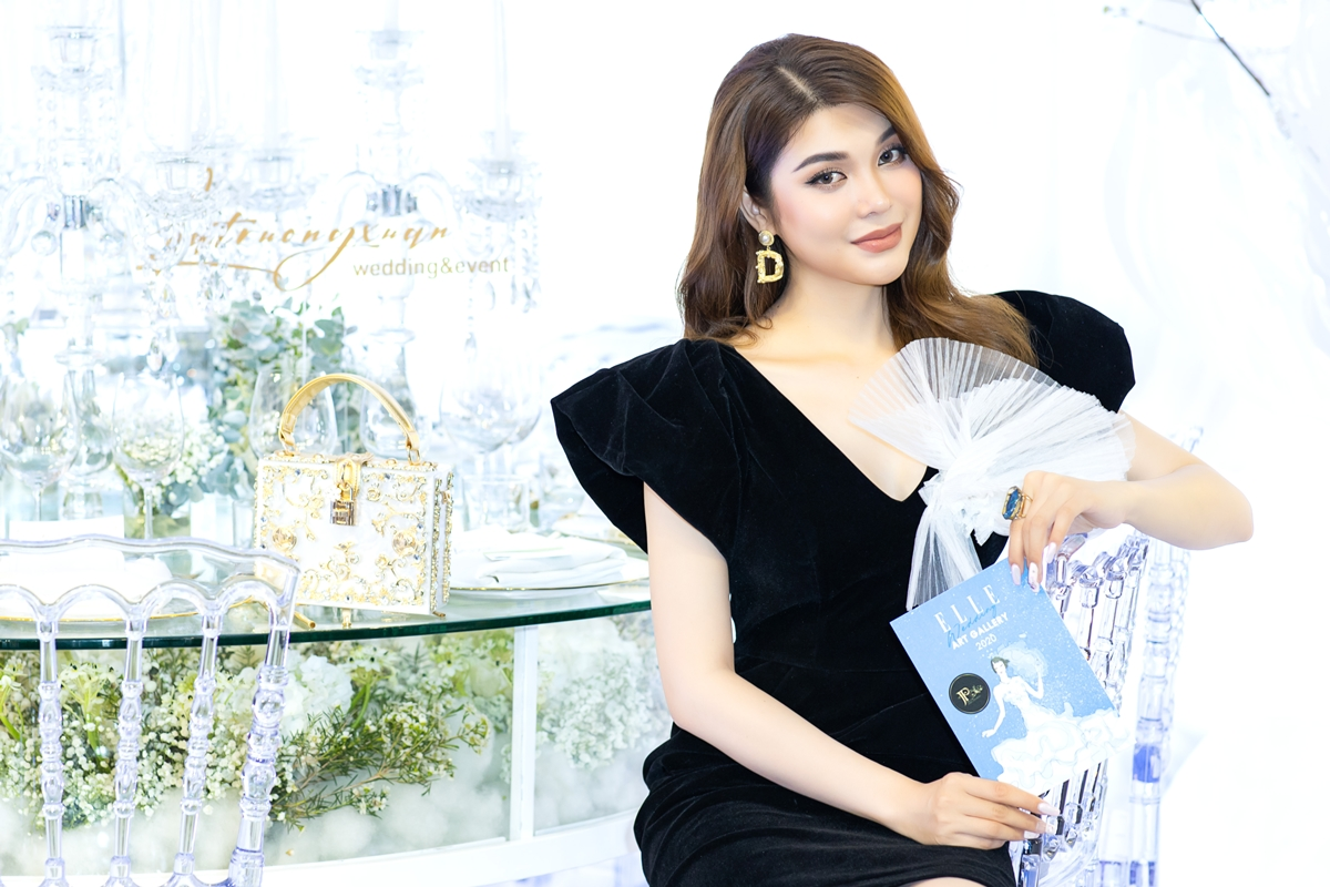 Ca sĩ Lily Chen yêu kiều ở event.