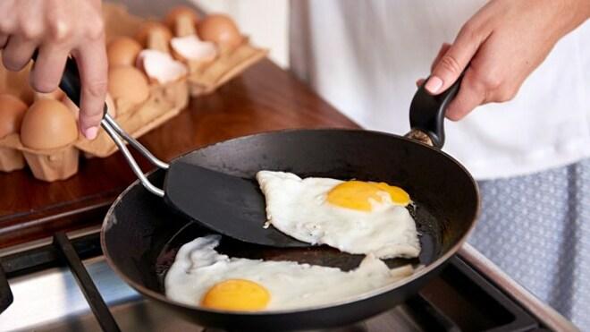 Ăn trứng vào bữa sáng giúp bạn no lâu, giảm
