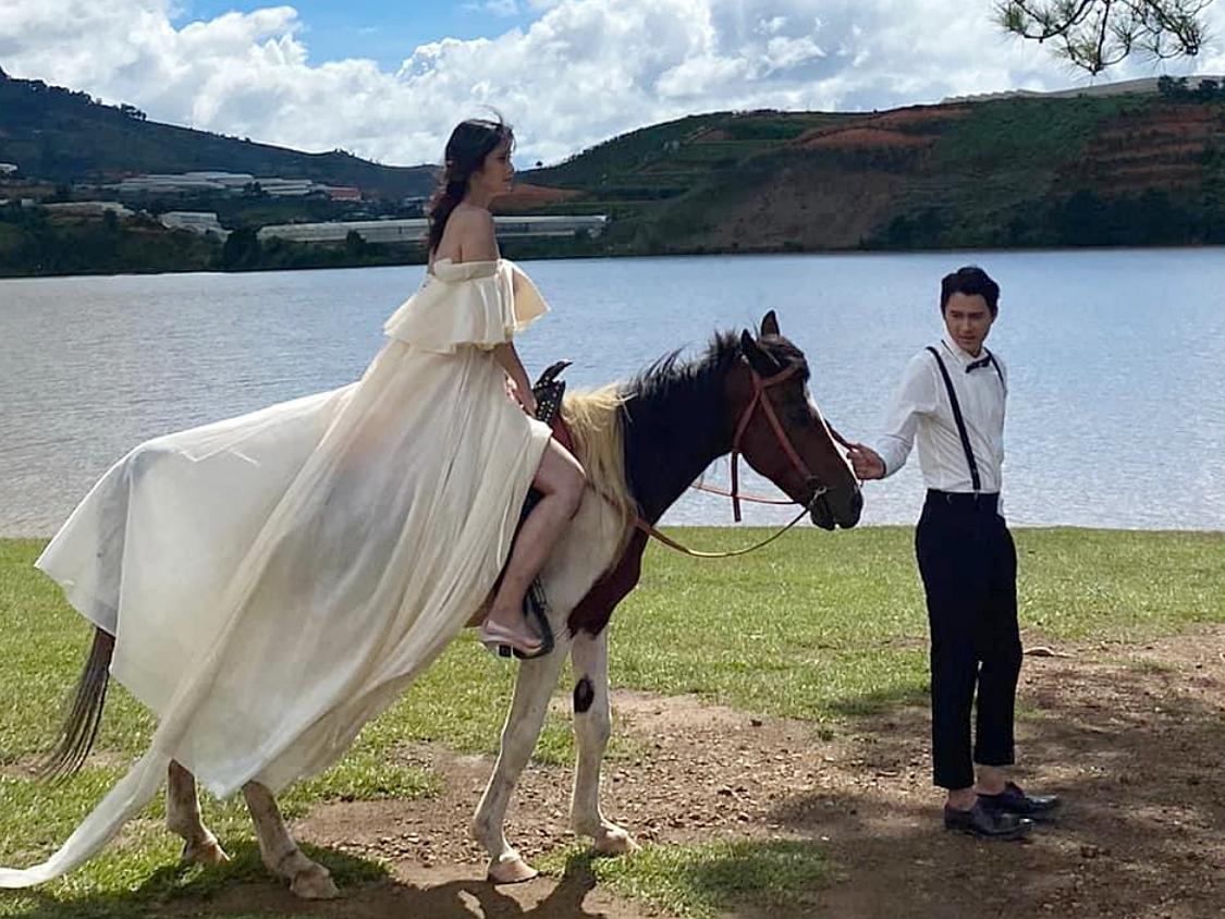 Hậu trường chụp ảnh cưới của Thảo Trang. Ảnh: Nhật Đỗ